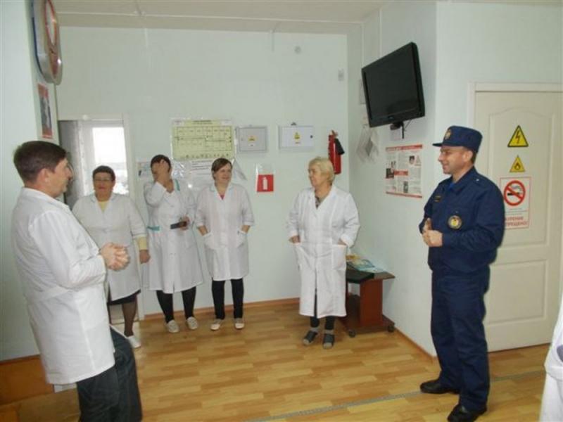В преддверии новогодних праздников на объектах здравоохранения проходят инструктажи и тренировки.