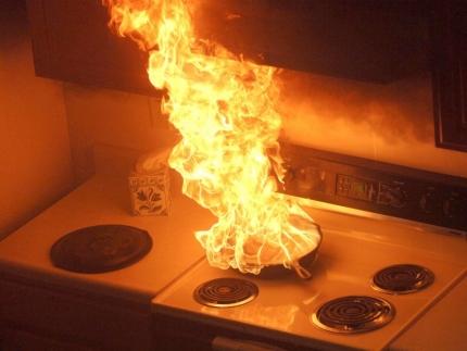 Как избежать пожара при приготовлении пищи