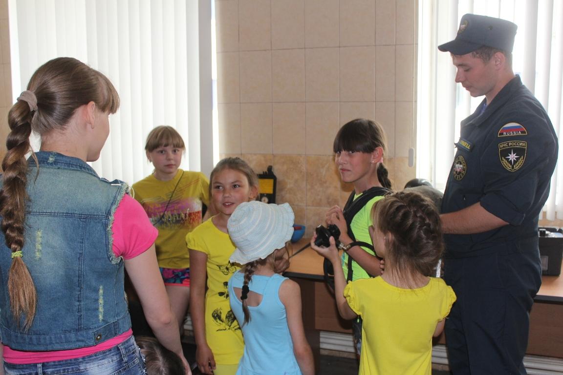 Посещение Специализированной пожарно-спасательной части воспитанниками детских домов Читы