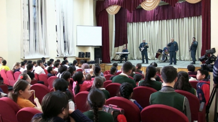 Забайкальские спасатели приняли участие во Всероссийском музыкальном флешмобе «МЧС дарит музыку»