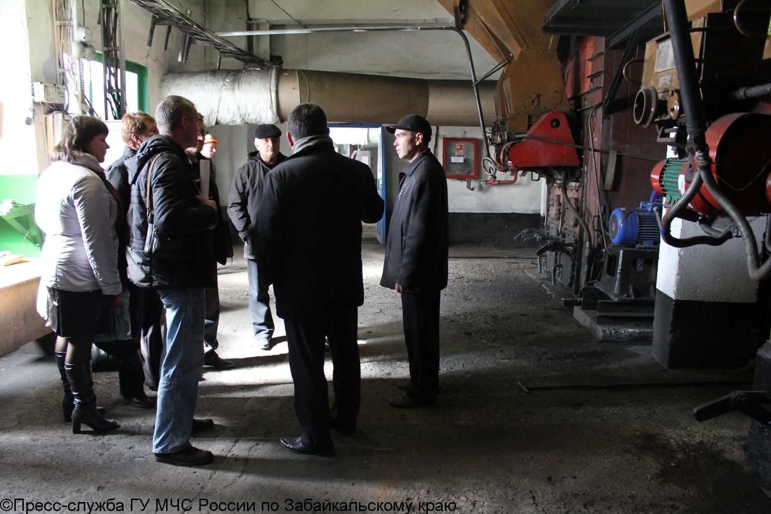 Сотрудники МЧС собрали глав районов для обсуждения вопросов обеспечения безопасности населения в осеннее-зимний период