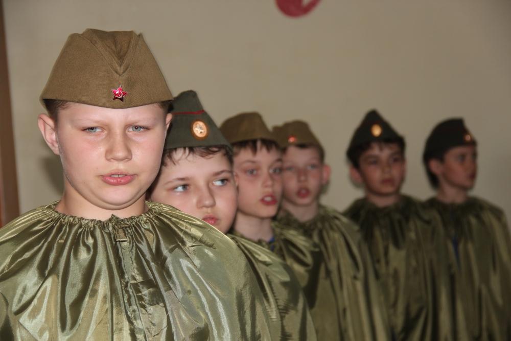 """""""Битва хоров"""" в Хабаровской школе МЧС"""