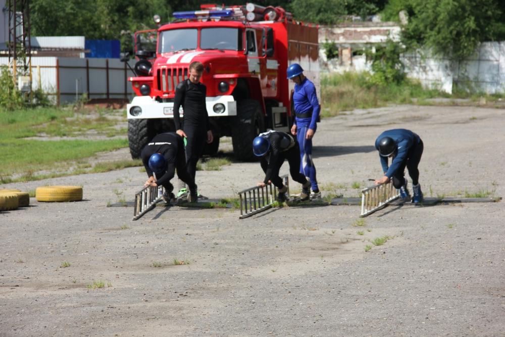 В Хабаровске прошли гарнизонные соревнования по пожарно-прикладному спорту