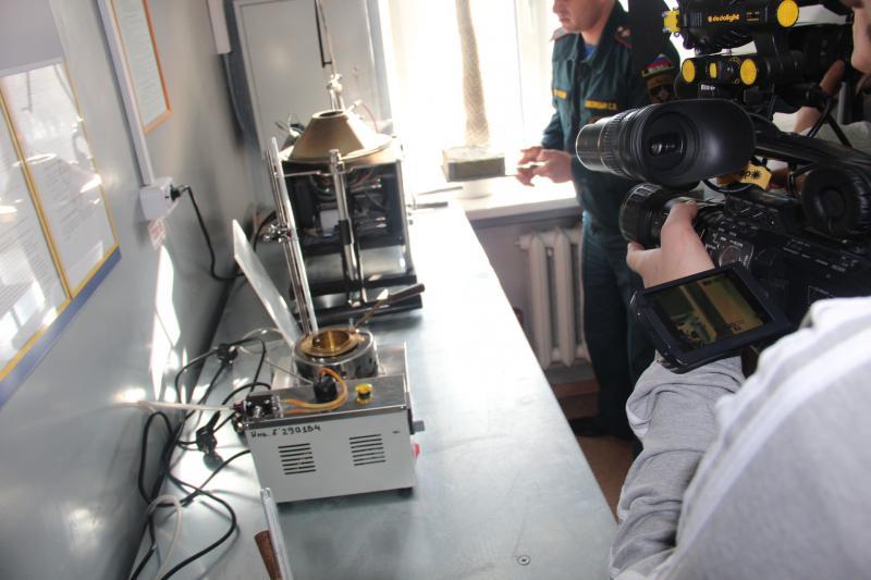 Будущие пожарные узнали о технических возможностях испытательной пожарной лаборатории ФПС МЧС России