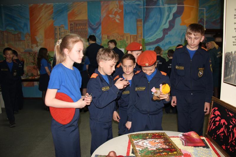 Хабаровским кадетам участники ликвидации аварии на Чернобыльской АЭС рассказали о подвиге пожарных