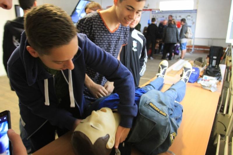 Увлекательный мастер-класс от крымских спасателей