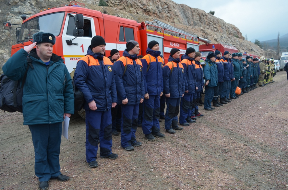 В Севастополе прошла комплексная тренировка МЧС России с органами управления и силами РСЧС