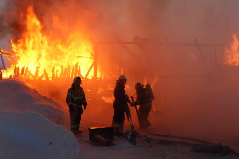 Пожар в дер. Черная речка Томского района (9 января 2020 года)