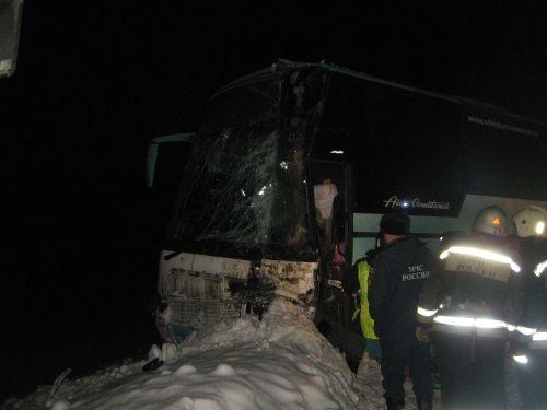 Спасатели МЧС России приняли участие в ликвидации последствий ДТП в Балахнинском районе
