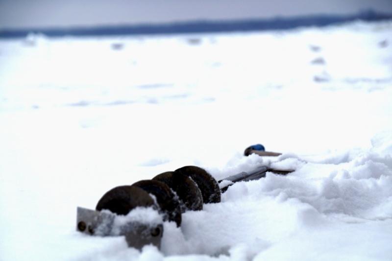 Рыбакам о безопасности на воде в зимний период