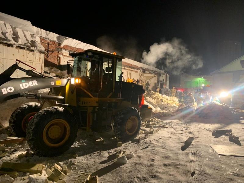 В Новосибирске завершены поисково-спасательные работы на месте обрушения кровли здания