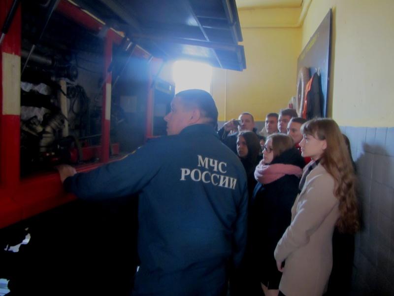 Пожарно-спасательная часть встречала школьников