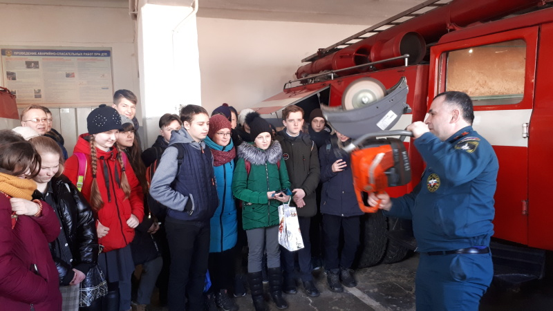 Кромские школьники стали гостями огнеборцев