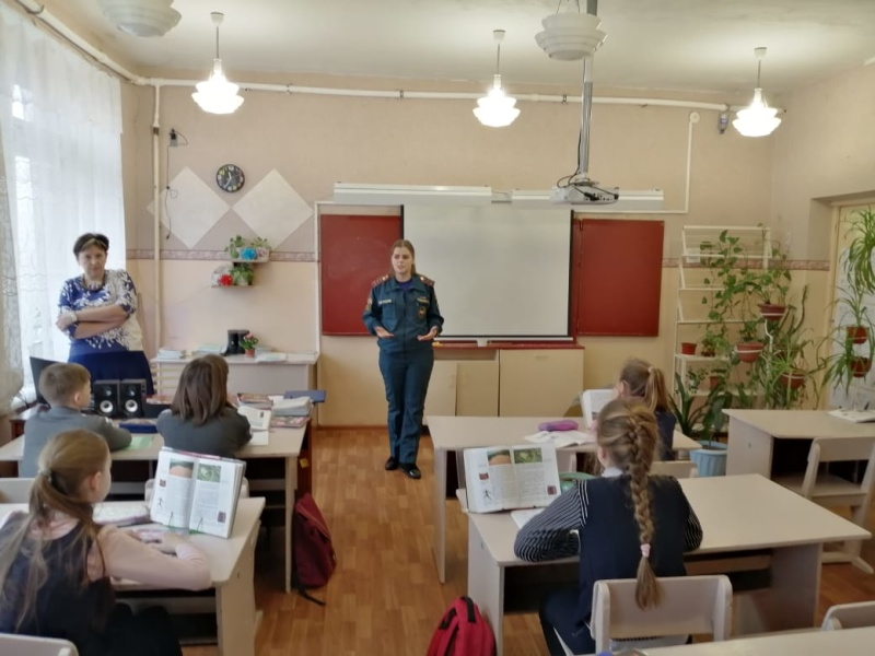 Для школьников Мценска проходят уроки безопасности