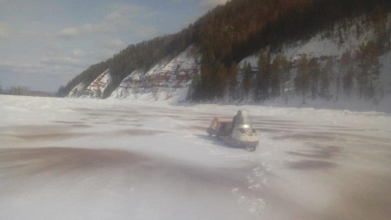 Ослабление льда на затороопасных участках реки Киренги проведено в Казачинско-Ленском районе Иркутской области