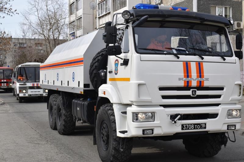 На Южном Урале сотрудники МЧС проводят работы по дезинфекции социально-значимых объектов