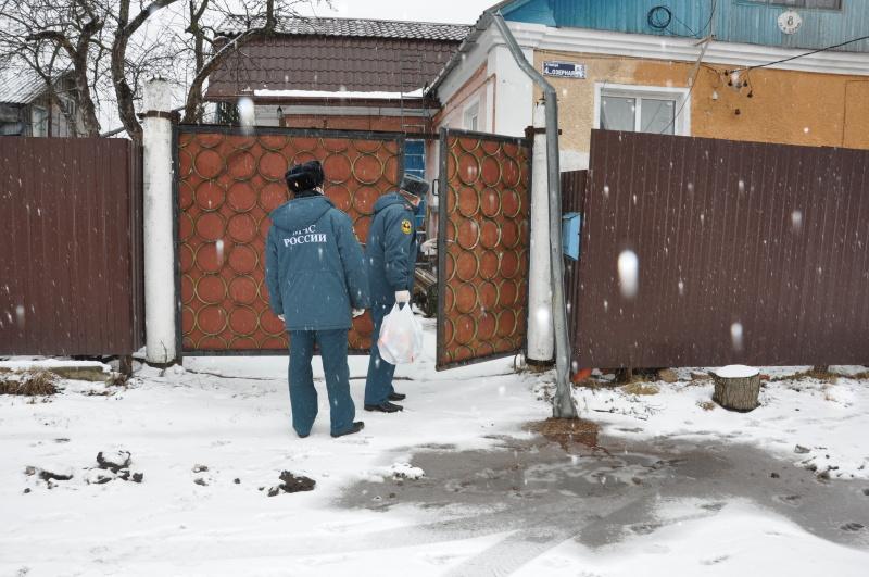 Добровольцы Выборгского района помогают пожилым жителям в решении бытовых вопросов