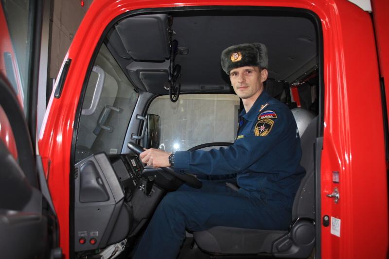 #Ровесники МЧС: водитель 4 ПСЧ 1 разряда по охране ЦО г. Курска Артем Колоколов