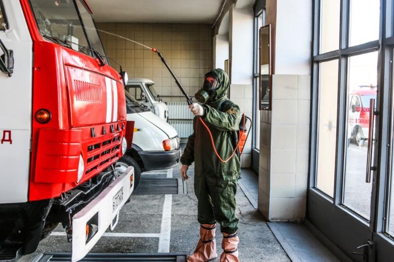 Сотрудники МЧС России по Волгоградской области  проводят санитарную обработку в своих подразделениях