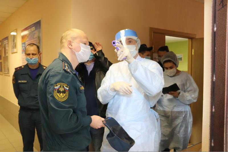 Спасатели Подмосковья сдали кровь для маленьких пациентов онкоцентра Балашихи