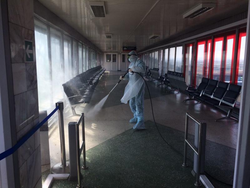 Сотрудники специализированной пожарно-спасательной части города Красноярска провели санитарную обработку нескольких объектов транспортной инфраструктуры края