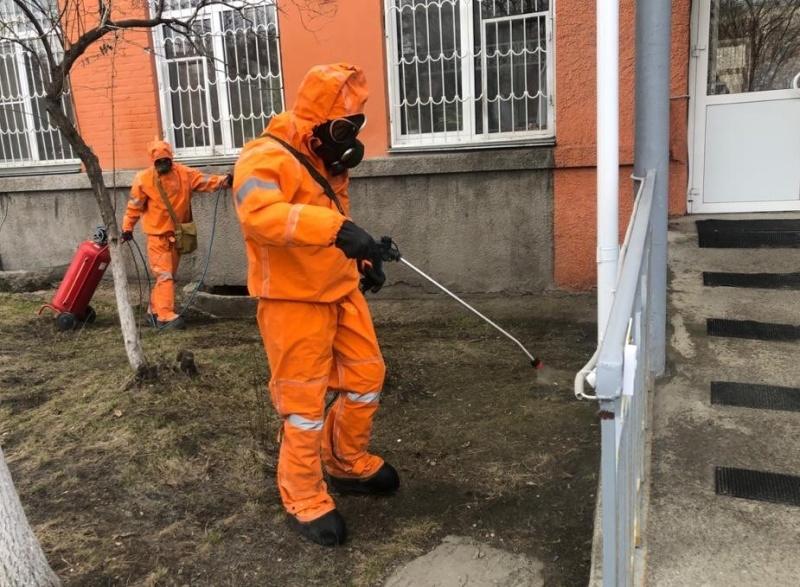 Южный Урал. Подразделения МЧС провели дезинфекцию  132 социально-значимых объектов