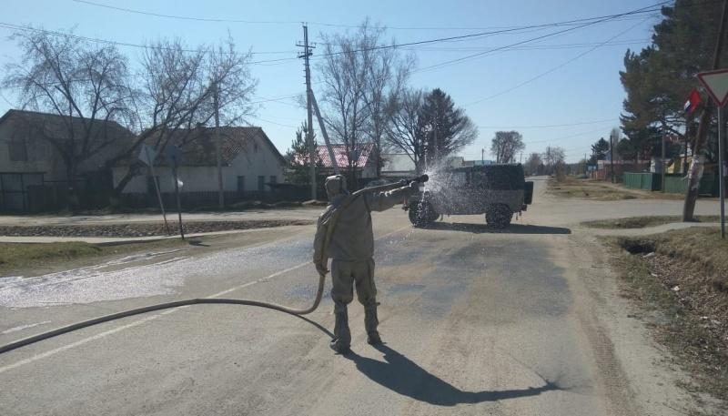 Пожарные провели дезинфекцию территорий в поселке Прогресс