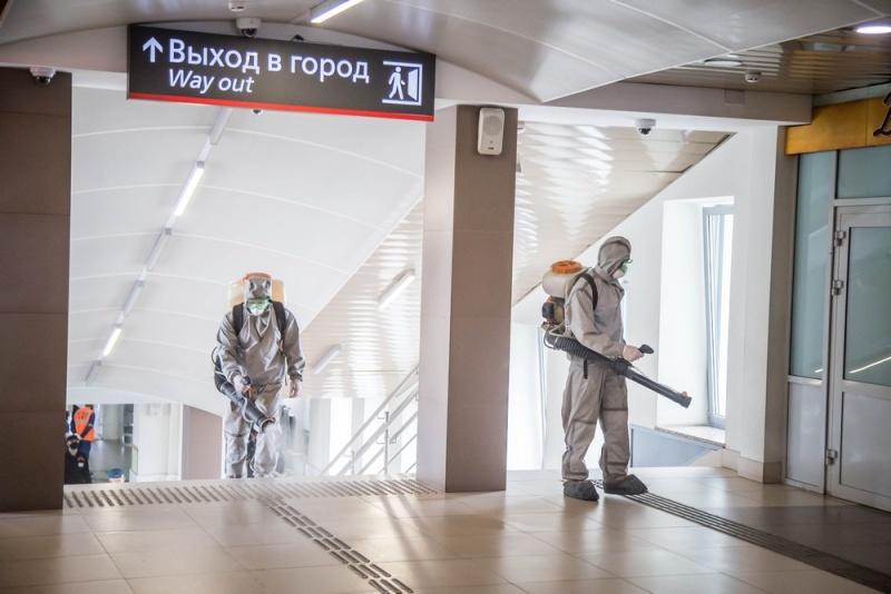 Кировские спасатели провели дезинфекцию железнодорожного вокзала