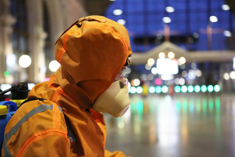 Спасатели провели дезинфекцию Балтийского вокзала