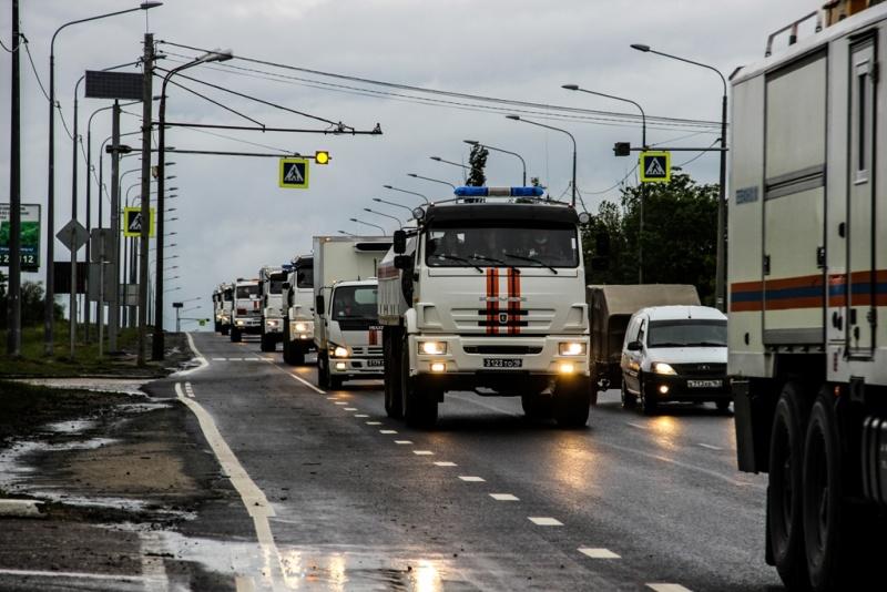 Группировка МЧС России из Самары прибыла в Волгоград и продолжила путь в Республику Дагестан