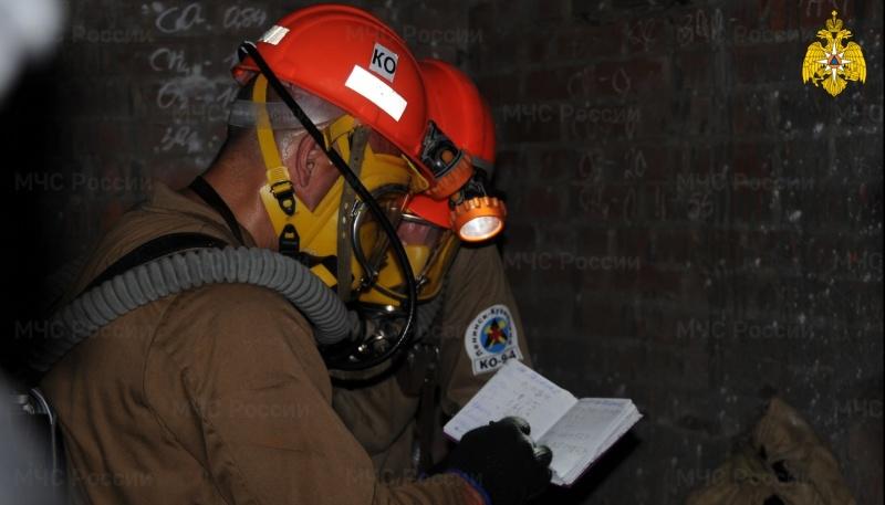 Горноспасатели МЧС России вахтовым методом обеспечивают безопасность предприятий по добыче полезных ископаемых