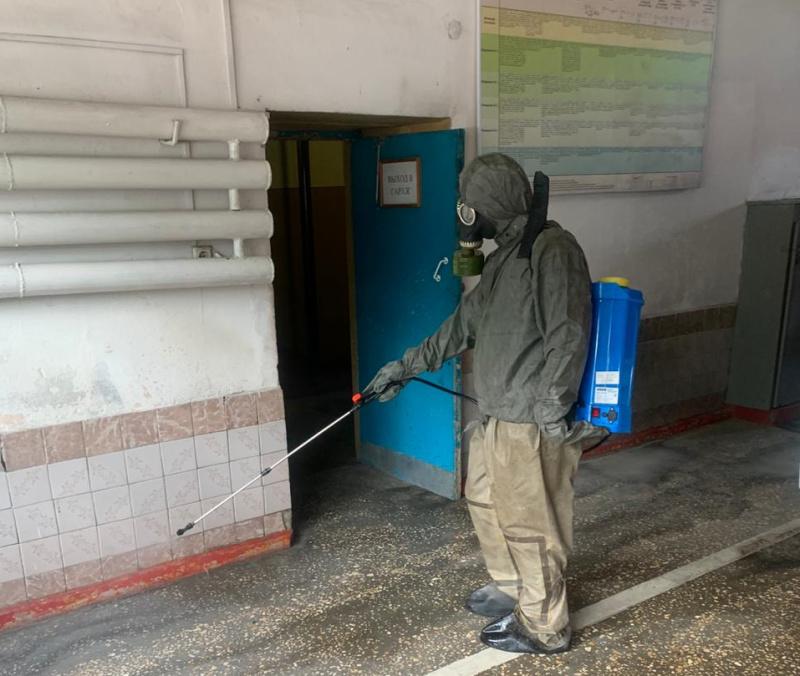 В подразделениях продолжается профилактическая работа по дезинфекции служебных помещений и техники