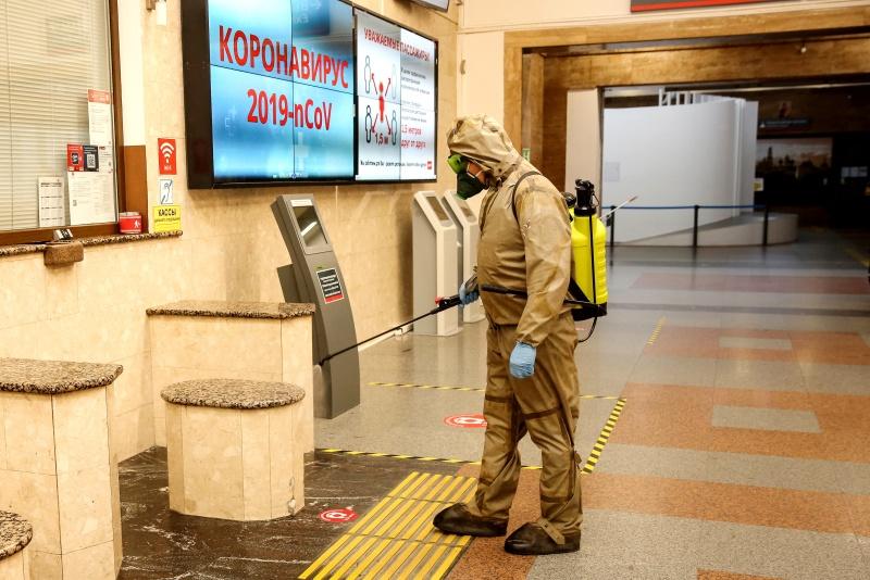 В Калининградской области ежедневно подразделения МЧС России дезинфицируют более 3000 кв. метров соцобъектов и территорий