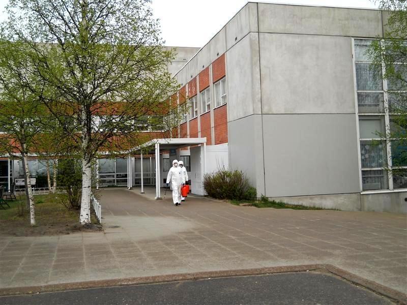 Личным составом ПСЧ №6 по охране г. Костомукша продезинфицированы остановочные комплексы, больницы и поликлиники