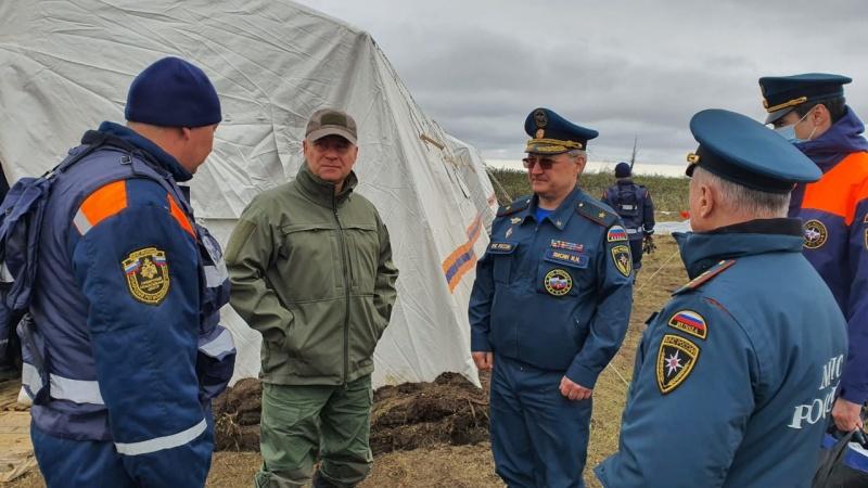 Евгений Зиничев побывал в полевом лагере группировки МЧС России под Норильском