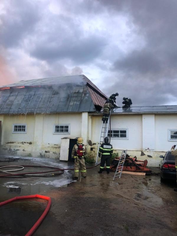 Пожар на складе в городском округе Ленинский
