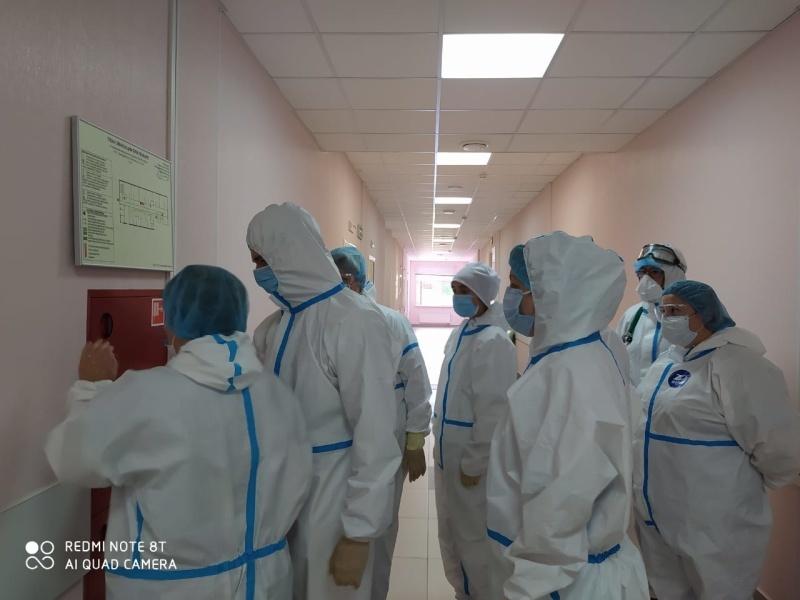 С персоналом лечебных учреждений Домодедово, перепрофилированных для приема пациентов с COVID-19, проведены инструктажи по пожарной безопасности