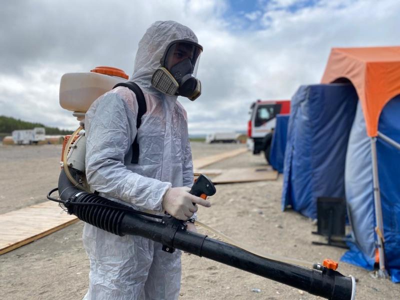Тотальная дезинфекция силами спасательной роты РХБЗ Невского спасательного центра завершена
