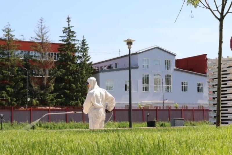 Сотрудники Тульского спасцентра продезинфицировали Казанскую набережную