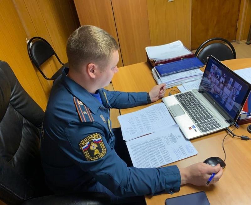 Вопросы обеспечения пожарной безопасности образовательных учреждений обсуждены в ходе онлайн совещания в Чехове