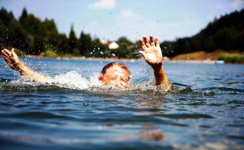 В Кыштыме военнослужащая Росгвардии спасла из воды тонущего ребёнка!