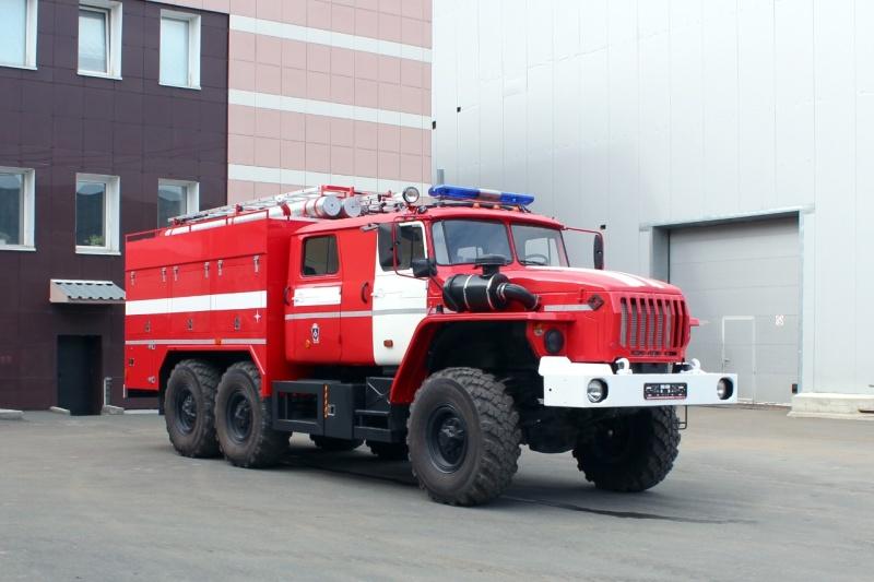 Многофункциональная пожарная автоцистерна с системой NATISK на базе  УРАЛ АЦ-3,0-40 NATISK