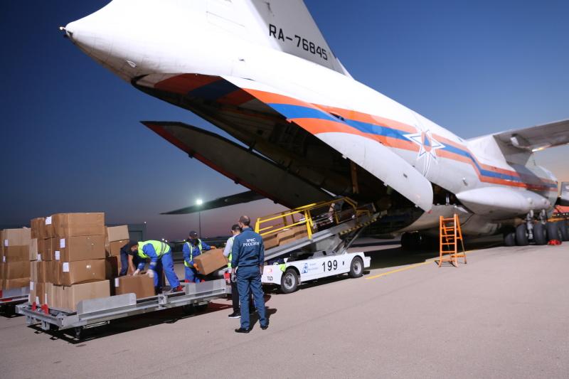 Авиация МЧС России доставляет в Республику  Казахстан гуманитарную помощь