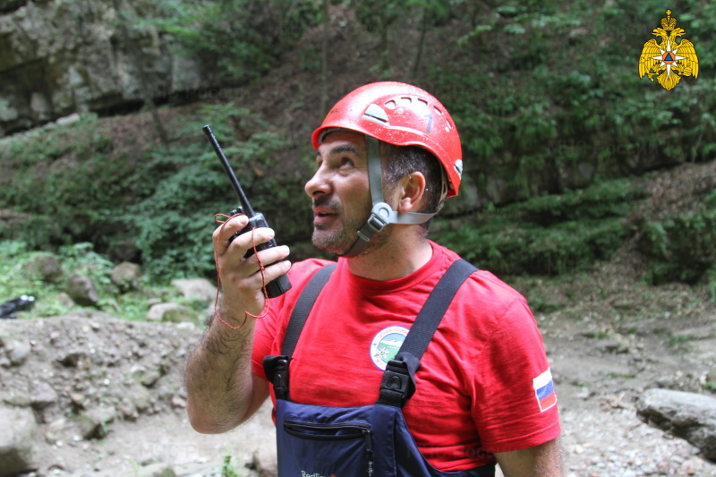 В Чегемском ущелье спасатели МЧС России провели учебно-тренировочные занятия