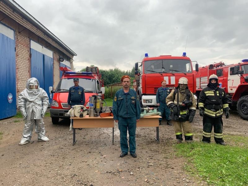 Выставка пожарной техники прошла в Грязовце