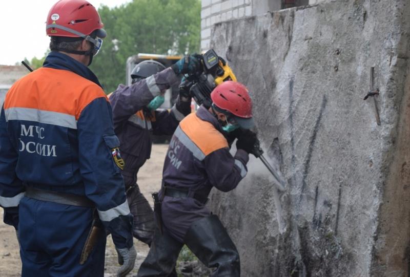 Поисково-спасательная служба МЧС России отмечает 28 годовщину со дня образования