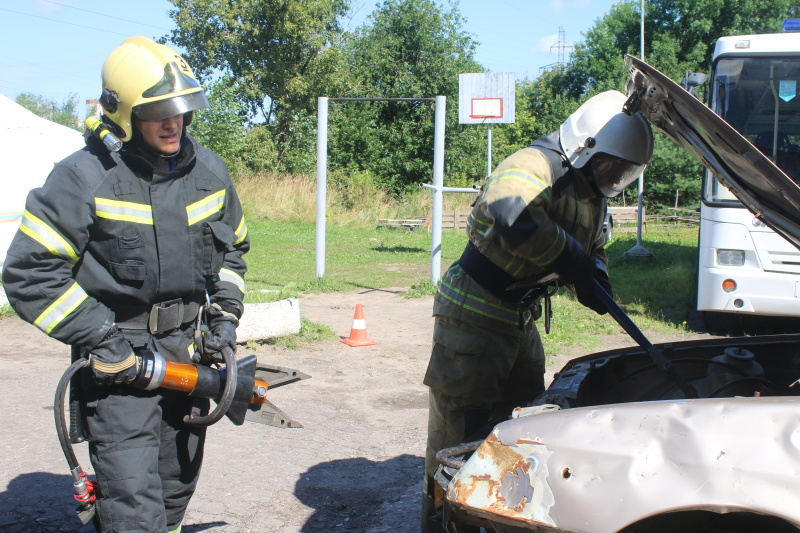 В Вологде определили победителей областных соревнований по ликвидации последствий дорожно-транспортных происшествий