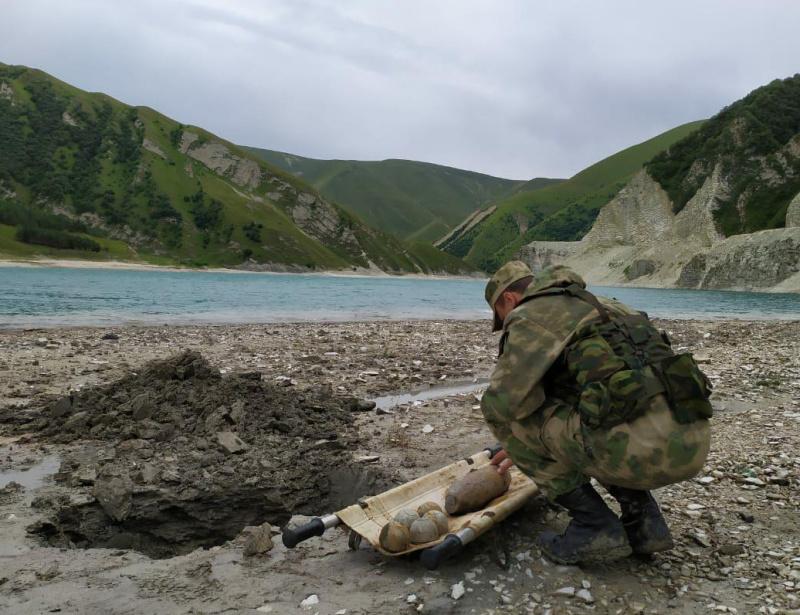 В Чеченской Республике сотрудниками МЧС обезврежено пять авиабомб