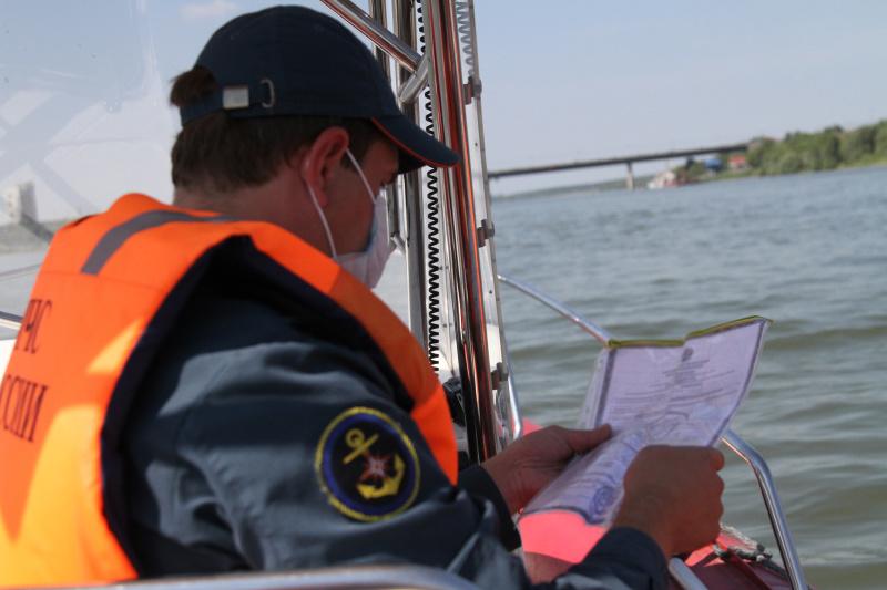 Около 100 нарушений правил безопасности на водоемах выявили межведомственные группы за неделю (фото)