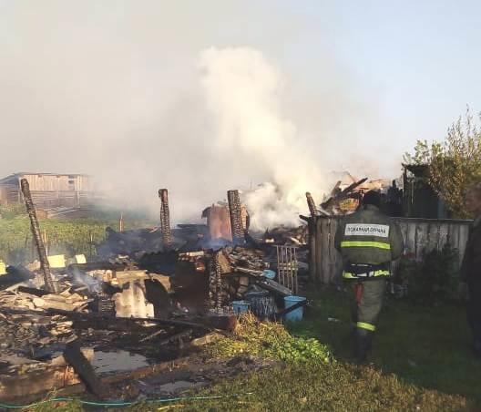 За минувшие выходные дни новосибирские огнеборцы потушили 48 возгораний